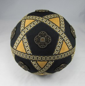 Icosadodecahedron Earth Tones Ribbonwork (3)